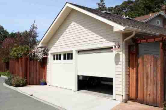 The Benefits of Storing Your Car in a Garage